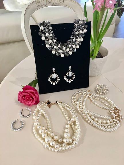Perlele, accesoriul feminității eterne